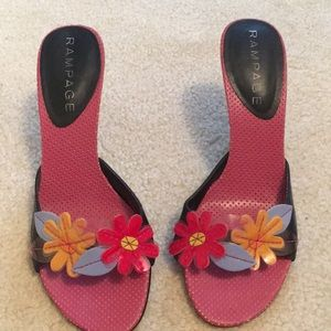 """Rampage 3""""heel-red,blue, and yellow flowers"""